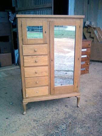 Antique Chifferobe - $125 (nacogdoches)