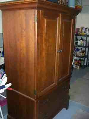 LEXINGTON BOB TIMBERLAKE CHERRY ENTERTAINMENT CTR ARMOIRE TV CABINET - $695 (Woodville, TX)
