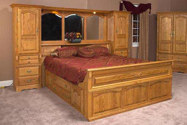 CAPTAINS BED - QUEEN SIZE - $1200 (Lufkin)
