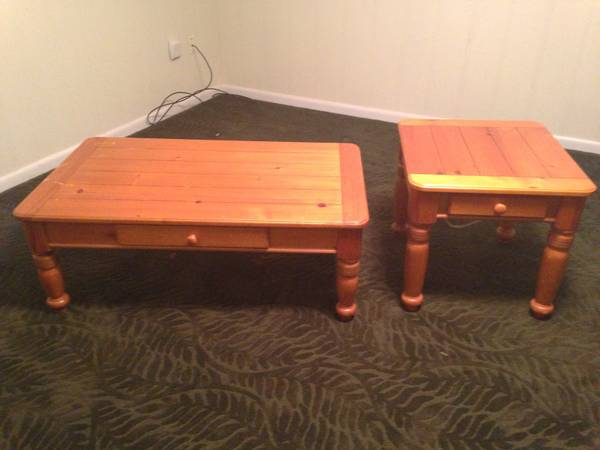 Coffee and End Table Set - $40 (Lake Murvaul, Carthage )