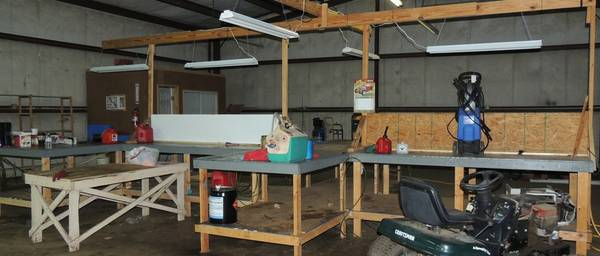 Work Shop Station for Sale -   x0024 325  Crockett
