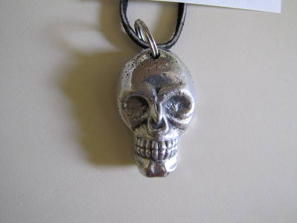 Skull necklace -   x0024 15  Joaquin  TX