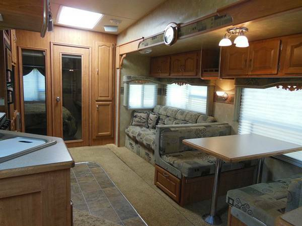 REDUCED BEAUTIFUL 2008 WILDCAT 5-wheel w  WARRANTY-sleeps 8 -   x0024 22500  west of tyler