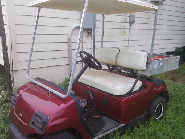 Yamaha Golf cart w dump bed  (kemp  mabank area)