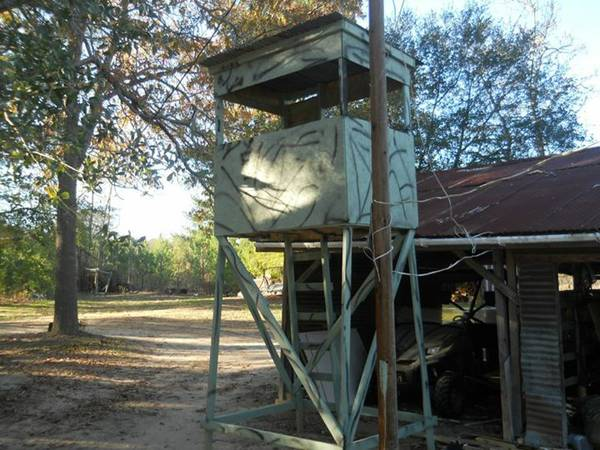 box deer stands for sale  -  400  rusk texas