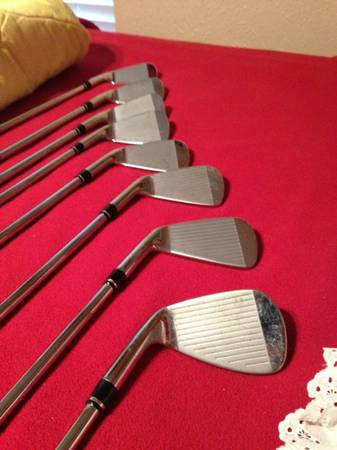 Mint condition Golf Clubs  Pi7 Wilson Staff 3-9 iron and Pitching wedge -   x0024 110  Sachse Tx
