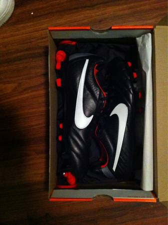 Black and Red original Nike Tiempo cleats  -  175