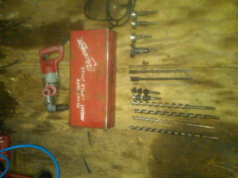Milwaukee right angle drill - $150 (Groesbeck)