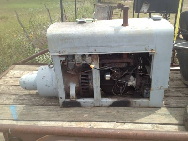 Welder... 53 lincoln short hood - $4000 (Oakwood tx)