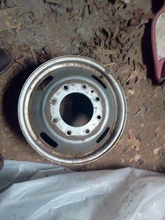 Ford Dually 8 Lug Wheel - $50 (Lufkin)