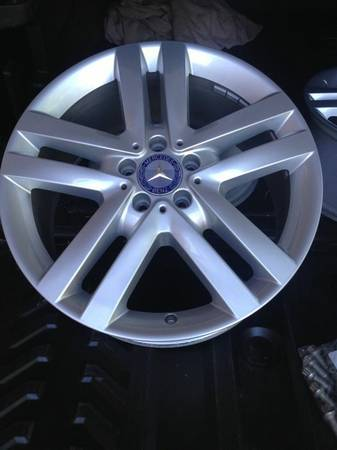 Factory take-off mercedes benz wheels - $680 (Frisco)