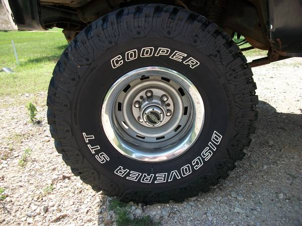 35x12.50x15 tires and wheels - $900 (nacogdoches)
