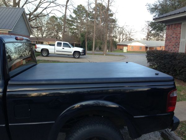 Undercover Tonneau Cover Ford Ranger Short Bed - $600 (Nacogdoches)