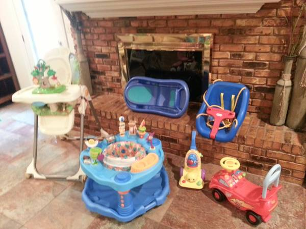 Infant Toddler Toys and Other Items - $1 (Nacogdoches)