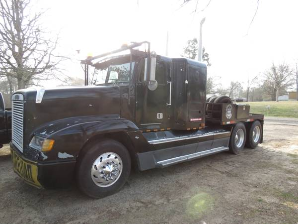 1995 Freightliner Fld 120 Semi Truck Mobile Home Toter - x002413000 (Athens, TX)