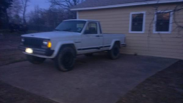 1990 jeep Comanche 4x4 4.0 - $3000 (mabank tx)