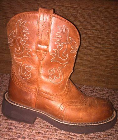 Fat baby Ariat boots - $30 (Van Texas )