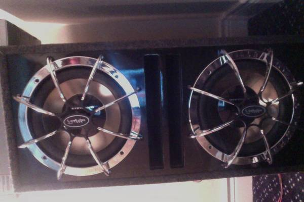 2, 12inch Diamond Subwoofers with Diamond D600.1 Amp - $350 (Nacogdoches)