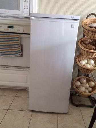 Upright Deep Freezer -   x0024 200  Irving TX