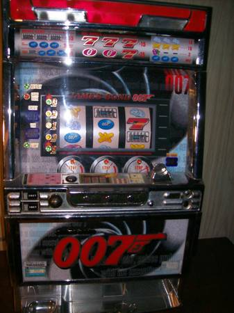 James Bond 007 Slot Machine - $600 (Lufkin, TX)