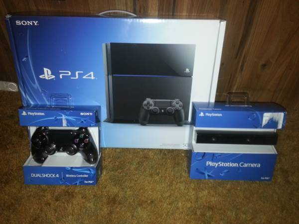 PS4 Bundle - $750 (Marshall, Tx)