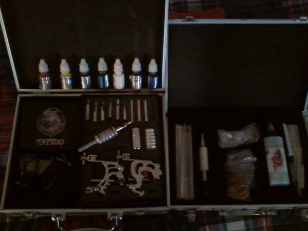 Full tattoo gun kit, 2 guns, ink,needles,rverything. great deal - $150 (eustace)