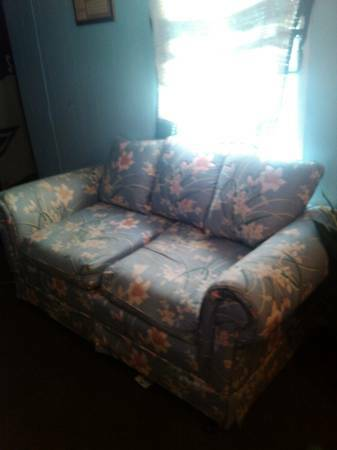 Great Condition Love Seat  Nacogdoches