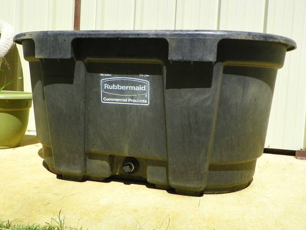 100 Gallon water trough for livestock - $70 (Mount Vernon TX)