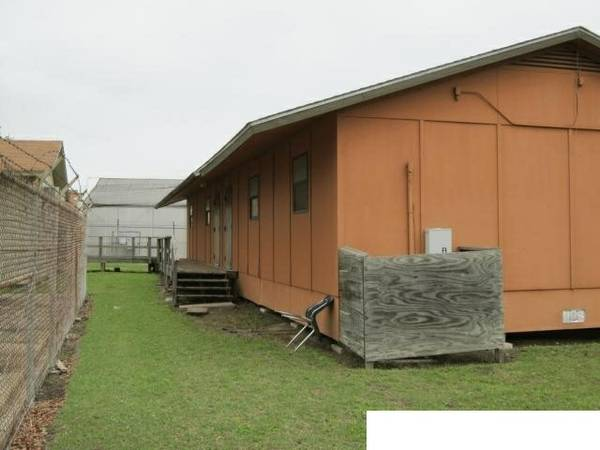 PORTABLE CLASSROOMS 24X64 AND 24X34 (ALMOST ANYWERE IN TEXAS)