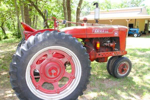 Farmall M Tractor - $1500 (Oakwood, Texas)
