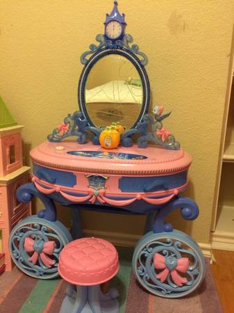 Cinderella Princess Dressing Table  -   x0024 40  Irving