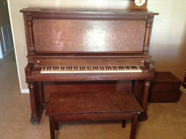 Antique Upright Piano - Free  Nacogdoches