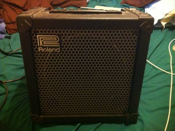 Roland Cube 30 Amp -   x0024 120  Nacogdoches