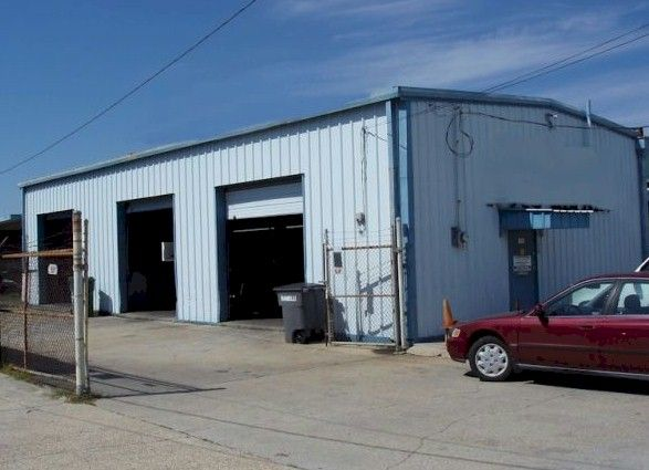 Automotive Lift Rentals : Auto shop for rent sale