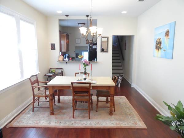 x0024 616   2br - Beautiful Lakeview Duplex for sublet with roommates  Milne and Germain