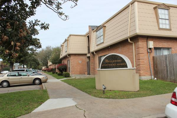 x0024 715   2br - 1007ft sup2  - NOW LEASING AT BELLEMONT APARTMENT HOMES  Metairie