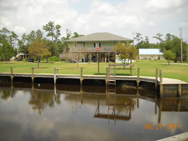 x0024 225000   3br - 2200ft sup2  - Home on the water for swap  pearlington    ms