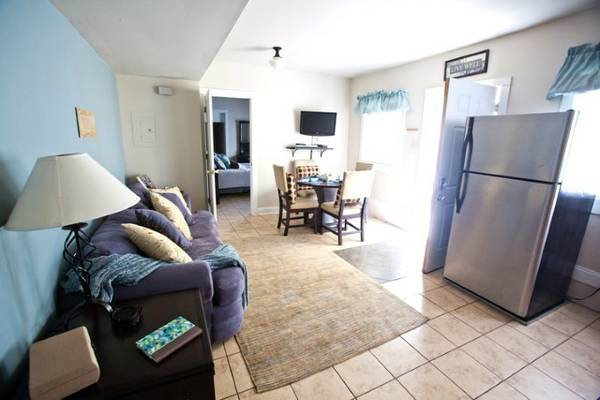 $200 3br - Historic 3BR Steps From The St. Charles Ave Stree (New Orleans )