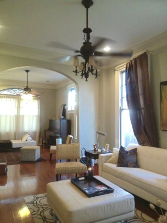 $590 1500ftsup2 - Luxury 2 bedrooms1 Block from St. Charles WITH Parking (Garden District)