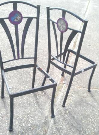 Pair of chairs for Step ladder or Smartphone  Garden District