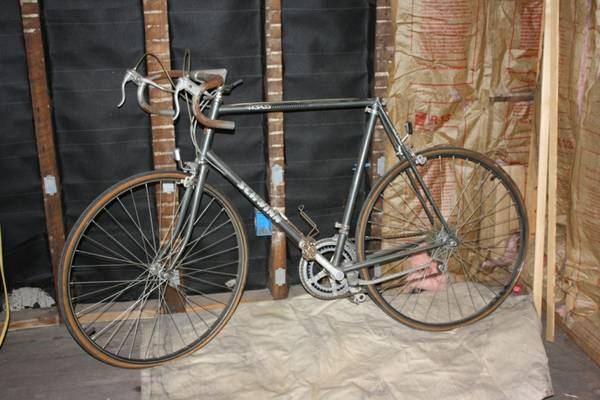 Schwinn world road bike for sale
