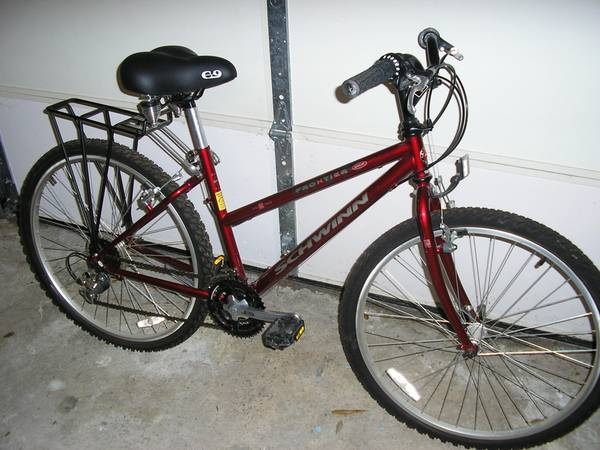 Schwinn Frontier Womens Mountain Bike - $75 (Gretna)