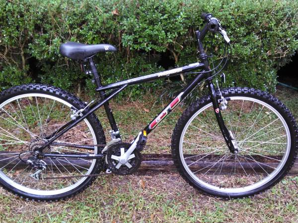 GT PALOMAR MOUNTAIN BIKE - $85 (Mandeville)