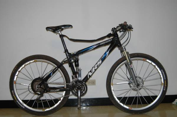 Giant Nrs Air Full Suspension Carbon Fiber MtB full Shimano XTR - $2100 (MidCity)