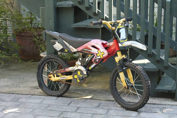 16 Boys X-Games BMX MotoBike - $25 (French Quarter)