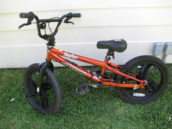 Tony Hawk 18 inch Sypher BMX Bike - Boys - $50 (Lakeview)