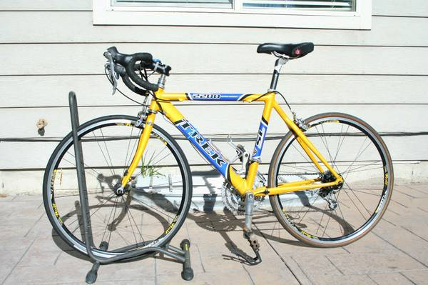 Trek 2200 WSD Road Bicycle - $600 (Westbank)