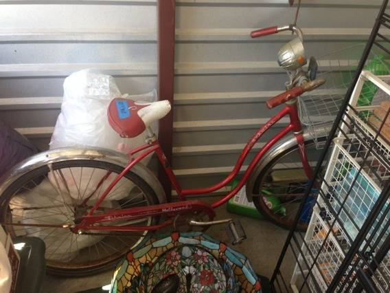 VINTAGE WOMENS SCHWINN HOLLYWOOD CRUISER (NEW ORLEANS )