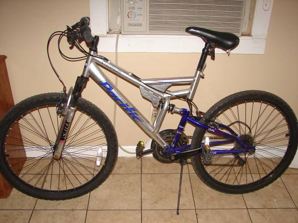 Silverblue Pacific Vortex Mountain Bike - $80 (Mid City)