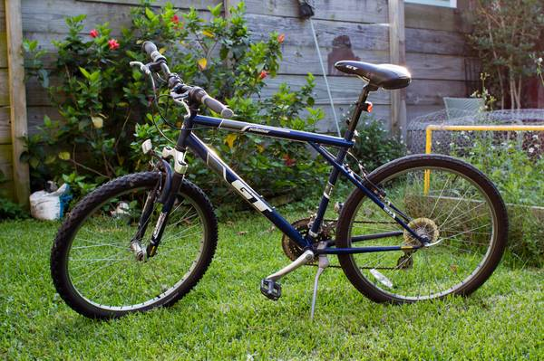 21-speed GT Palomar mountain bike (lock lights) - $100 (Mid-City)